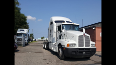 2005 KENWORTH SLEEPER NO DPF